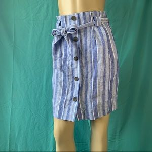 NWT - H&M BLUE & WHITE BUTTONED STRIPED SKIRT